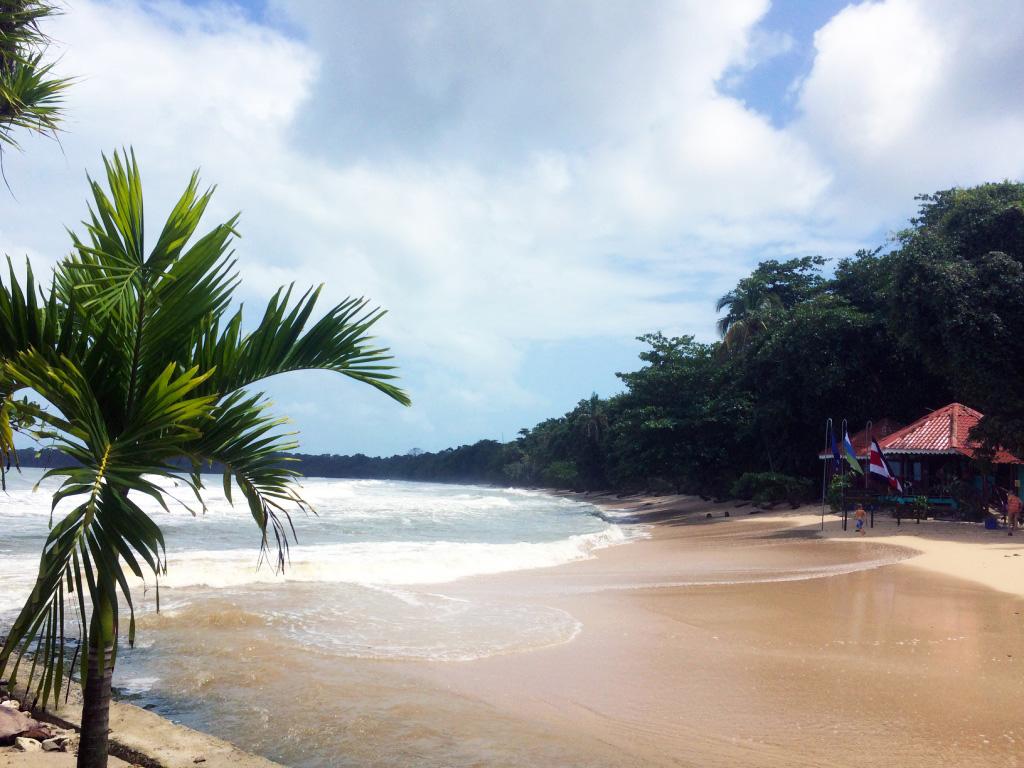 aguisur-caribetours-cahuita-strandhaus